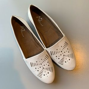 A2 by Aerosoles White Flats